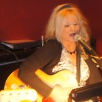 Kim Riley shines in solo acoustic & duo format; rocks Whippersnappers with fine selections and delivery